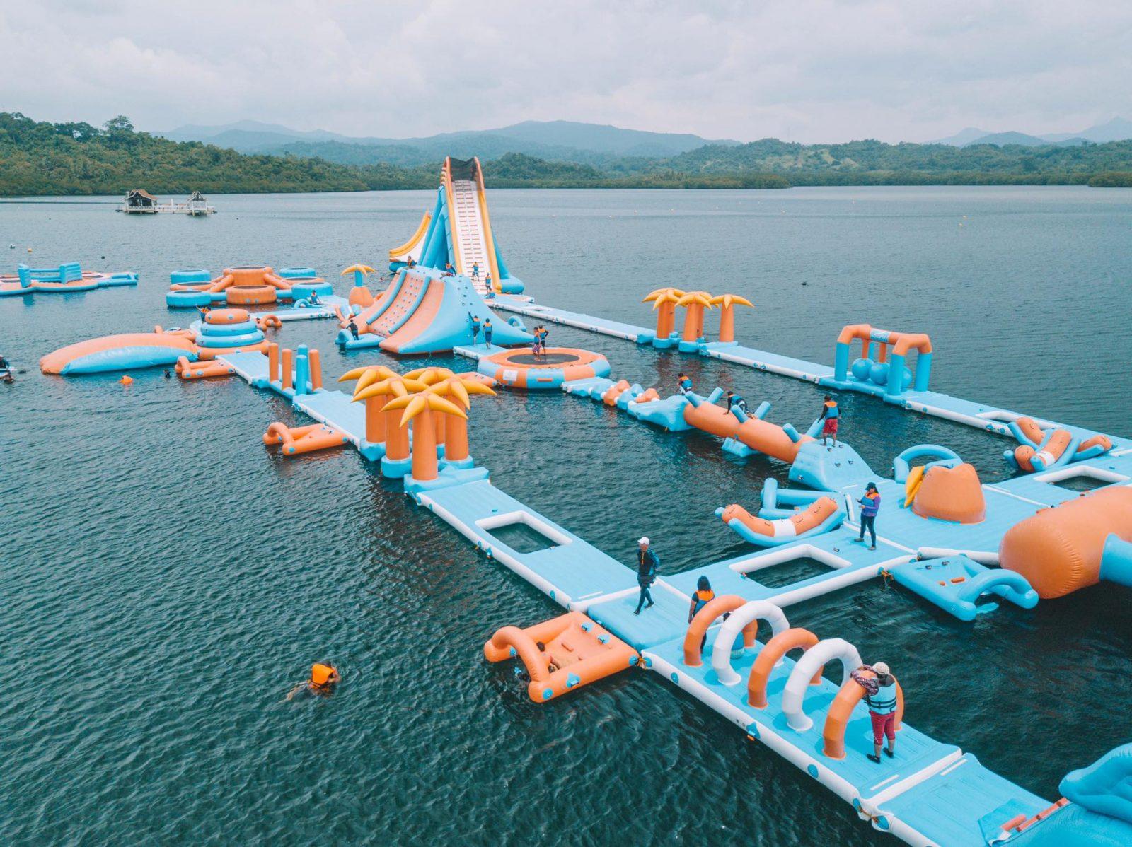floating inflatable aqua park